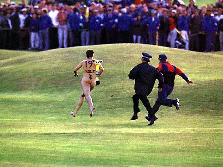 19th Hole: golf streaker Image